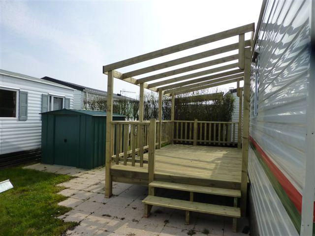 Vente de terrasses en bois pour mobil homes vendée